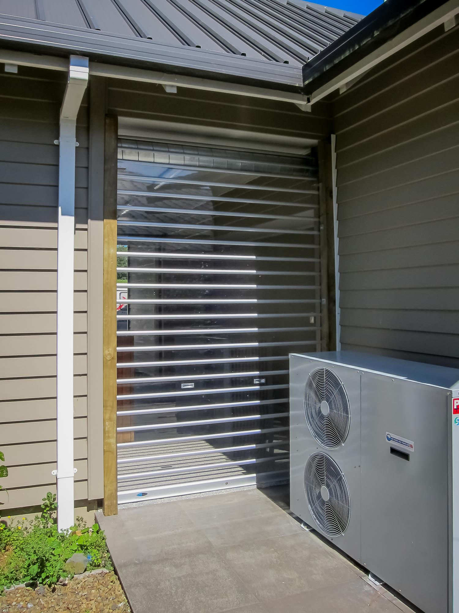 aa_polycarbonated_roller_shutter-7